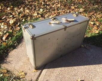 Vintage metal suitcase | Etsy