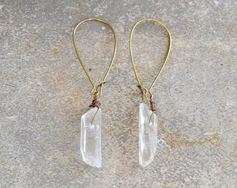 Clear Crystal Quartz Point Earrings, White Quartz Earrings, Quartz Gemstone Earrings, Gypsy Dangle Earrings, Rock Earrings Bohemian Earrings