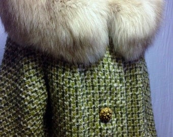 Vintage Green Coat with Fur Collar
