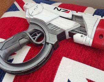 Mass Effect inspired cosplay pistol