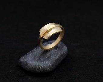 LEREMA ring : modern bronze ring