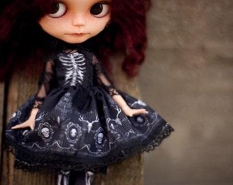 bones lolita BLYTHE set