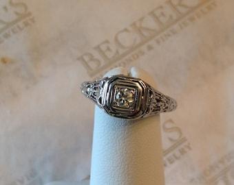 Antique Edwardian 18k white gold Filigree Round Transitional Diamond ring .14 ct K-VS2 Square Top with Milgrain