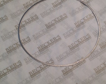 """Vintage 14k white gold reversible 2.8mm wide Omega Necklace Chain, 17"""" 9.33 grams, Etched Swirls"""