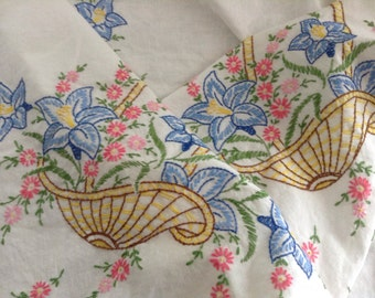 Vintage HAND EMBROIDERED MULTIFLORAL Tablecloth Mid Century 50s Shabby French Prairie Cottage Farmhouse Chic