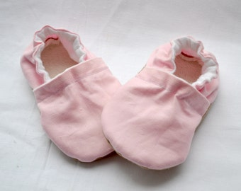 light pink soft sole shoes pink baby slippers light pink shoes girl pink baby shoes pink crib shoes pink toddler shoes pink baby booties