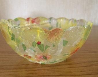 Hand decorated glass bowl by Jannietta.