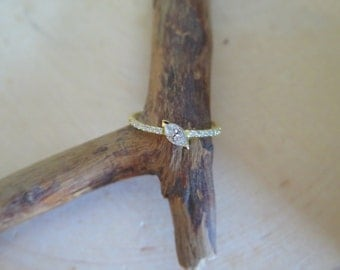 18kt Solid Gold & marquise diamond ring