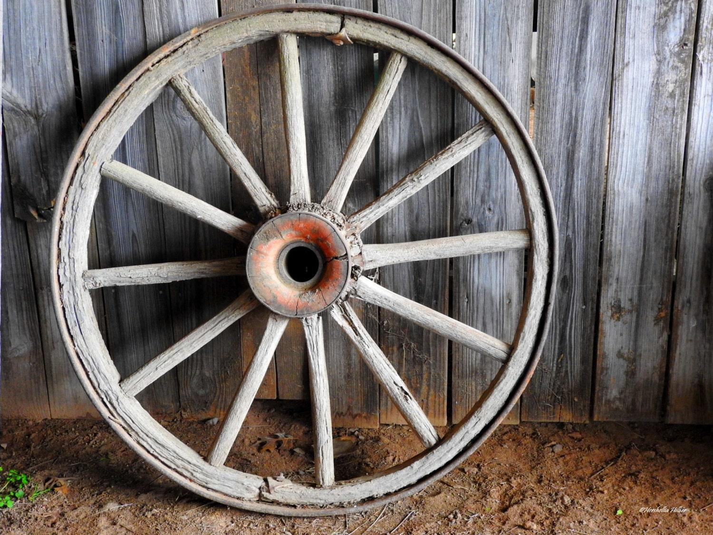 rustic wagon wheel decor free shippingfine art photography