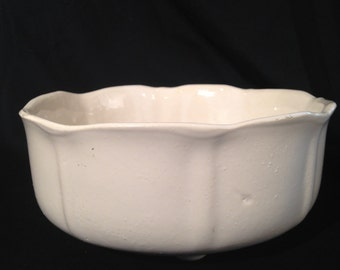 UP-Co Ungemach Pottery Company,UPCO Tulip shaped Planter,up-co,Up-Co beige planter,UpCo Planter