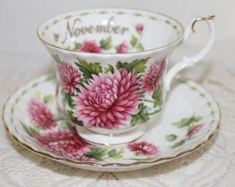 Royal Albert Flower of the Month Teacup and Saucer November PINK CHRYSANTHEMUM Very Good Condition