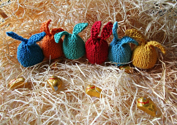 Knitting Easter Bunnies : Easter bunny egg knit cosy rabbit warmer