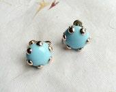 Turquoise earrings vintage screw back earrings glass earrings vintage earrings blue glass earrings blue aquamarine turquoise