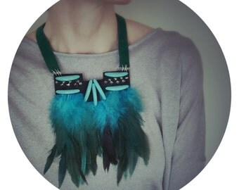 Flying High Feather Oboba Necklace