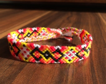 Friendship Bracelet. Handwoven.Knotted.Braided bracelet.Friendship jewelry.Handmade.Native.Pattern.Sunflower.Best friend.Gift.Girl.Yellow.