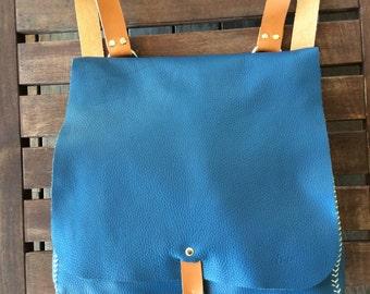 Leather Backpack / Messenger Bag / Blue backpack/ Mochila cuero/Convertible shoulder bag