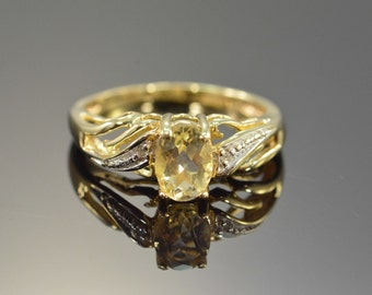 10K 0.76 CTW Oval Lemon Quartz & Diamond Ring - Size 5 / Yellow Gold