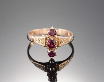 10K Victorian 0.40 CTW Red Ruby Ring - Size 6.25 / Yellow Gold - EM1303