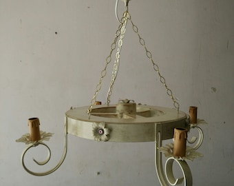 Wagon wheel chandelier style Shabby Chic 4 candle-shaped lights