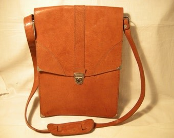 Vintage 1980's Light Brown Leather Handbag - Shoulder Bag - NEW
