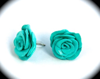 Rose, stud earrings.