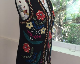 Vintage ukrainian vest handmade of wool felt, hand embroidered