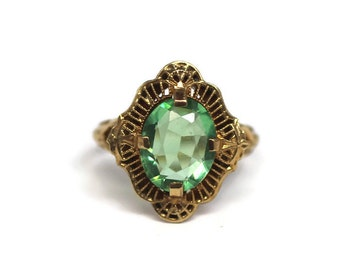 Vintage 10k and green stone filigree PSCO ring - size 5 3/4