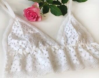 White daisy bralette