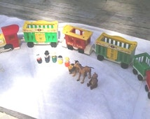 Vintage 1970's Fisher Price Little People 6pc CIRCUS TRAIN  #991 with animals and 5 little people
