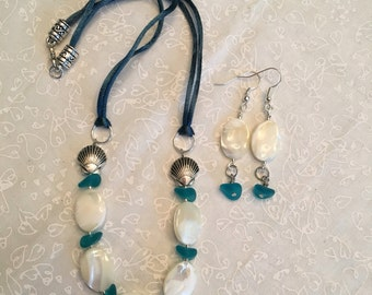 Mother of pearl and seaglass pebble necklace and earrings set - bright blue