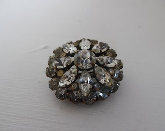 1930's crystal / rhinestone brooch / pin, classic, round