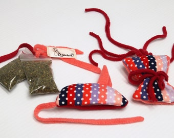 Set of rechargeable with catnip cat toys