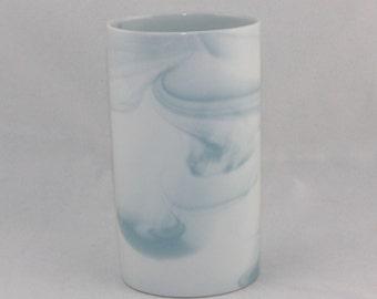 """Rosenthal Germany studio-linie. Kleine Porzellan Vase """"Queensberry Marble"""" - blau (*). Höhe ca. 12 cm. VINTAGE"""