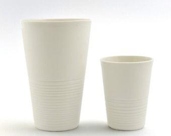 Großer Kaffee Becher, großer moderner Becher, minimalistisches Design,  weißer Becher, latte macchiato Becher, zeitgenössische Keramik