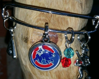 Chicago Cubs wire bracelet (You'r choice of image )