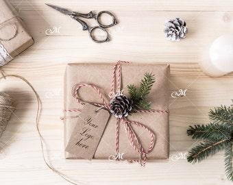 Christmas Gift Box Mock-up with Tag / PSD / Mockup