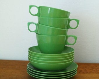 Vintage Avocado Green Melamine Cups, Saucers, and Bowl Set - 13 Pieces by Melmac and Maplex Toronto