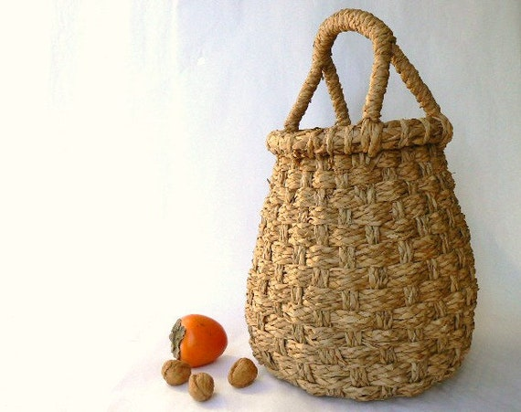 Tall gathering display basket attractive and sturdy beehive - Wicker beehive basket ...