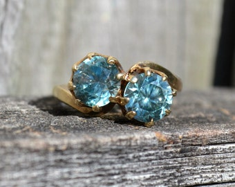 Weekend Flash Sale!  Vintage Blue Zircon Bypass Ring  9 CT Gold