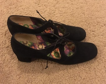 Vintage 60's Mary Janes mod sz 8 N cut out lace up suede Mary Janes