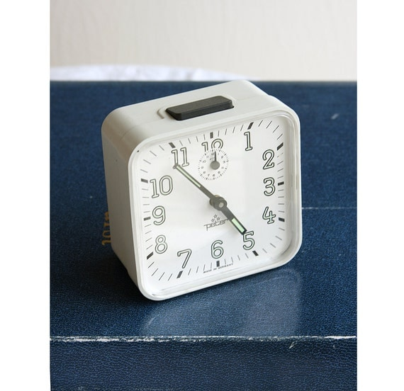 Vintage large alarm clock 1970's Wind up Peter clock Retro desk clock Large Mechanical white table clock Back to school