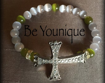 Beaded bracelet with cross