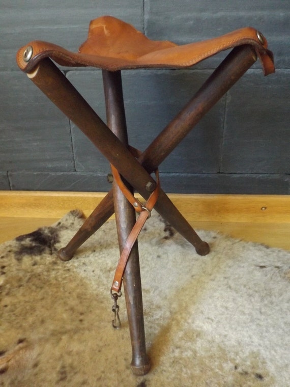 Tripod Stool In Vintage Leather Seat Folding Vintage