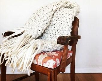 Alpaca Blanket With Tassels- Chunky Knit Throw - Hand Knitted Blanket - Baby Alpaca Blanket