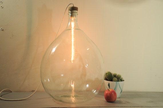 Lampada da terra vintage francese in ottone vetro lampada for Bottiglia in francese