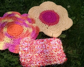 Flower Dishcloths and Scrubber Set