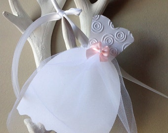 Wedding Dress Garland, Paper wedding dress, Bridal shower Garland, Bachelorette Party Garland.