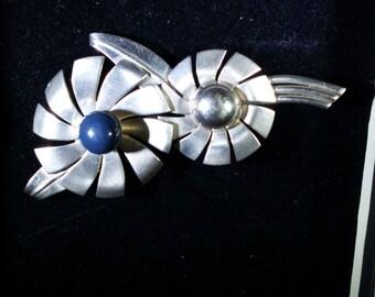 Vintage Silver-tone  Flower brooch
