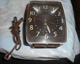 Vintage High Time  Ceiling Projection Light Alarm Clock Retro 1970's Mid-Century Mod