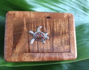 Hawaiian Curly Koa mini box with Honu (turtle)